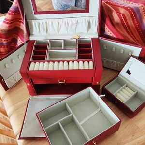 New Vintage style Jewelry box lock & key deep red